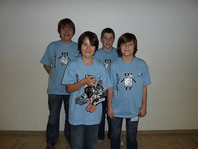 2011_rcj_wels_team_aeiou.jpg